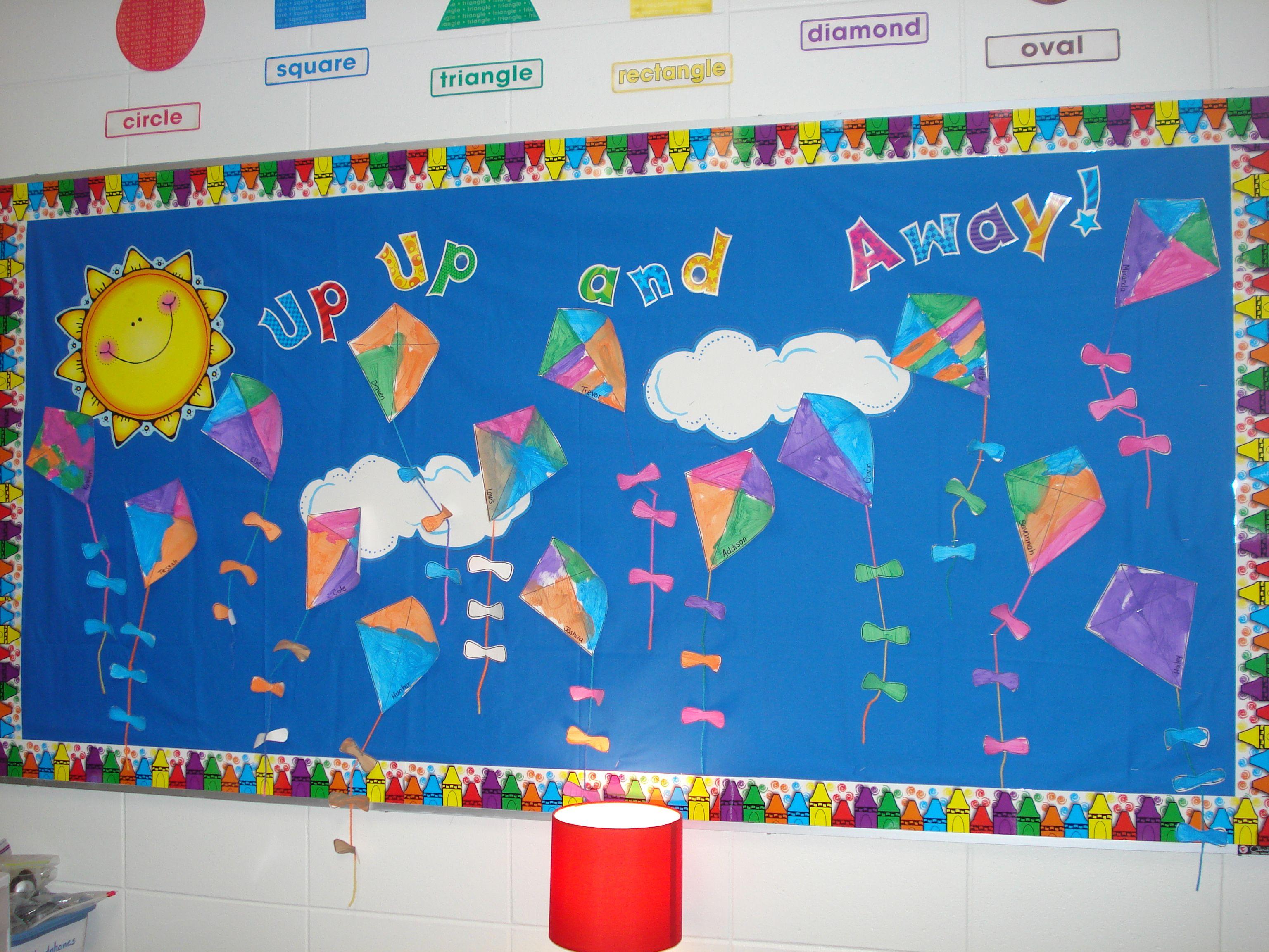 Spring kites bulletin boards classroom decor pinterest for Decoration kite