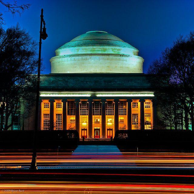 Mit Campus At Night Building 10 Massachusetts Institute Of Technology Campus World University