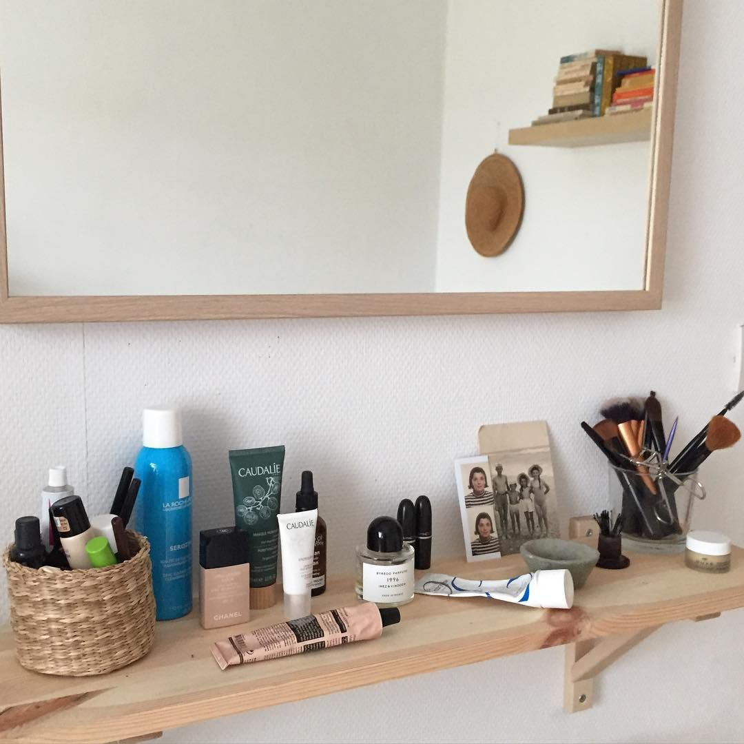 Gia Salvaggio Instagram Itgtopshelfie Shelf