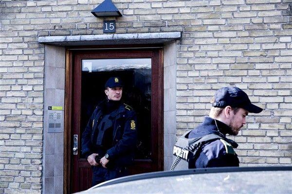 Num dos apartamentos foram descobertos armas e munições