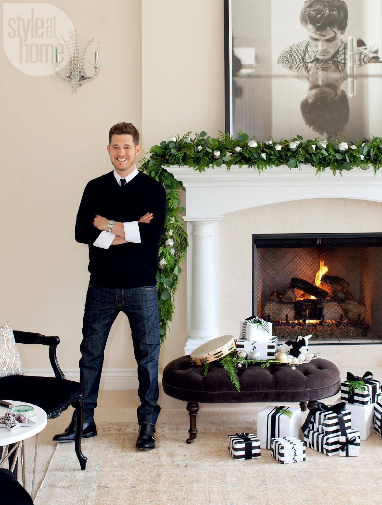 Michael Buble Weihnachten.Michael Buble Take Us Inside His Stylish Holiday Home The Holidaze