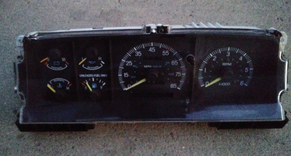 1987-1991 FORD F150 BRONCO INSTRUMENT CLUSTER SPEEDOMETER WITH TACH