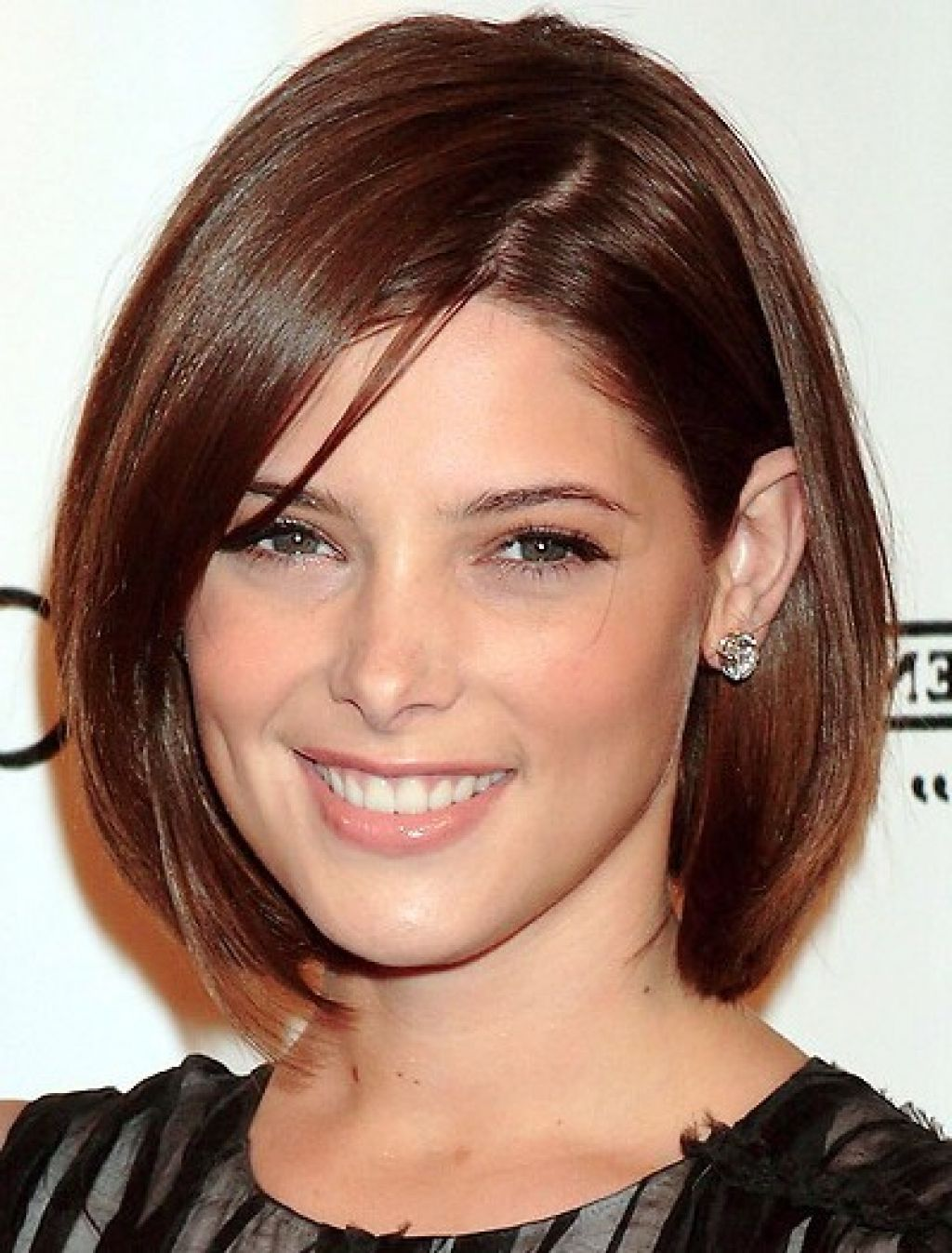 Chin Length Hairstyles For Thin Hair Long Faces Round Faces 6 Jpg 1024 1347 Bob Haircut For Fine Hair Chin Length Hair Medium Hair Styles