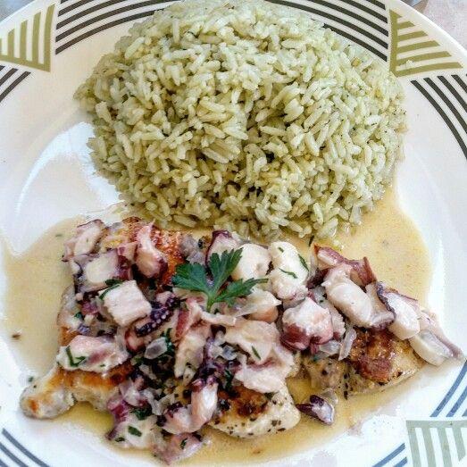 Arroz Verde Y Pescado A La Plancha Y Salsa De Pulpo Food Chicken Meat