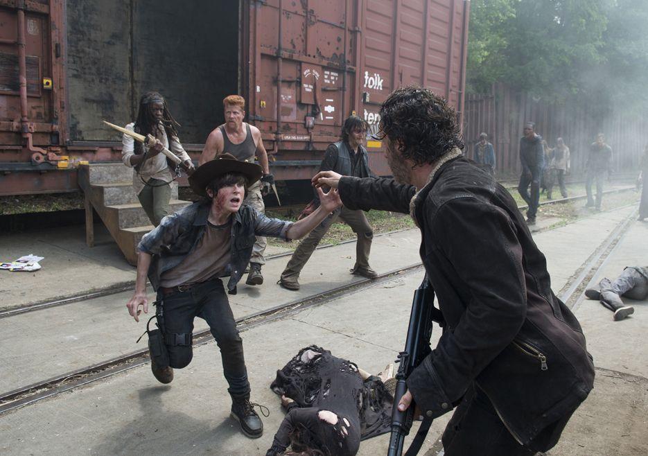 The Walking Dead Season 5 Episode Photos Carl Grimes Chandler