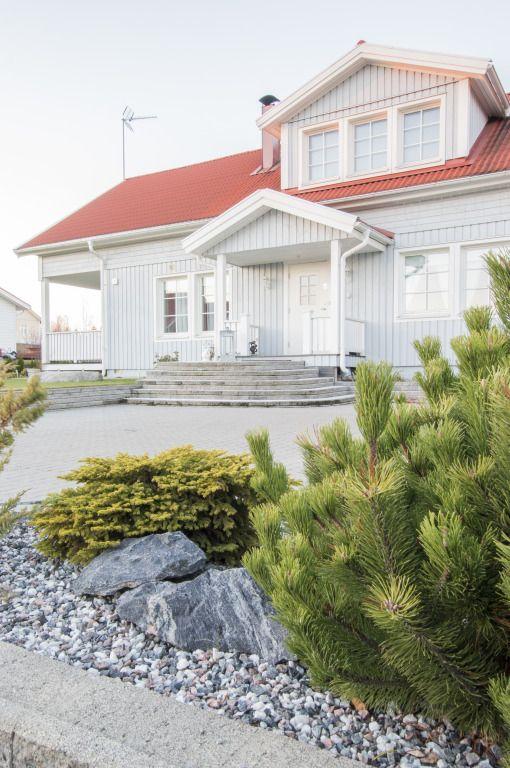 Älvsbytalon Tuulikki 1,5-kerroksinen, 4 huonetta, keittiö ja sauna Huoneistoala: 101,5 m² Kerrosala: 112,5 m² Esivalmisteltu yläkerta: 47 m² .
