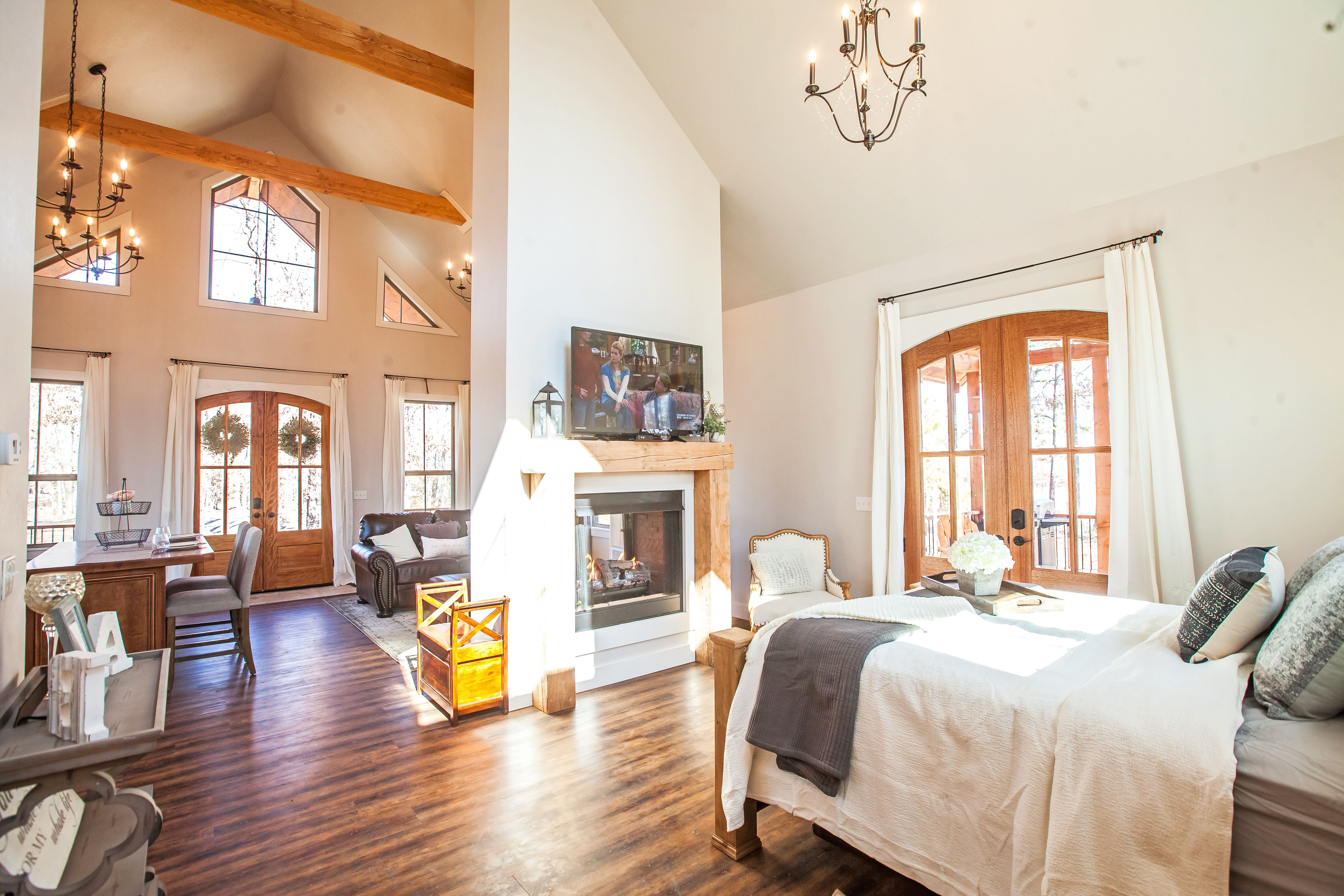 New Studio Cabin In Southeastern Oklahoma Perfect For A Romantic Getaway For Two Most Comfortable Bed Romantic Cabin Remodeling Inspiration