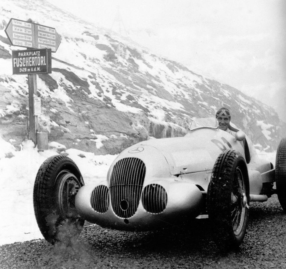 Großglockner mountain race, 28 August 1938. Manfred von Brauchitsch in a Mercedes-Benz W 125, starting number 81. He came in third.