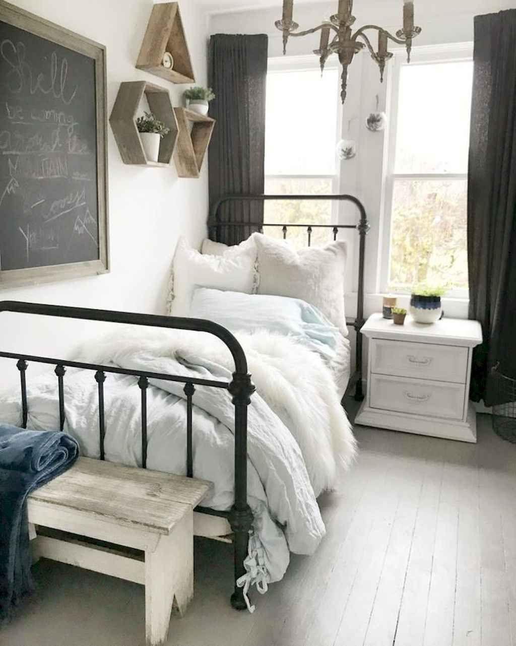 75 Modern Farmhouse Bedroom Decorating Ideas