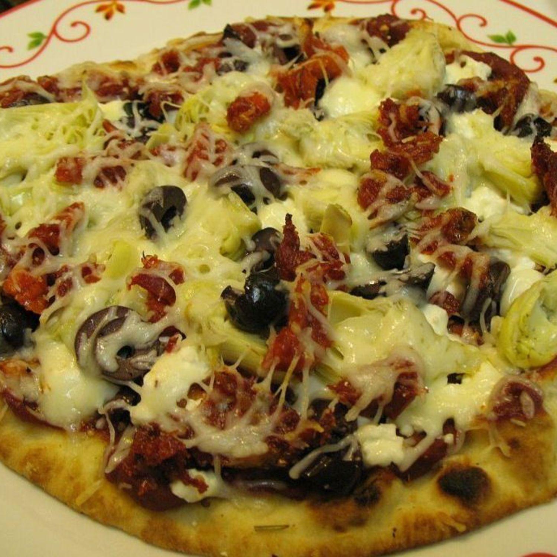 Greek Naan Pizza
