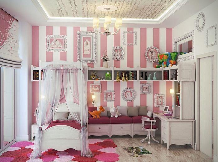 Charmant Deco Peinture Chambre Fille Style Princesse Baroque Avec Mur Bandes Blanc  Rose Et Tapis Coeurs