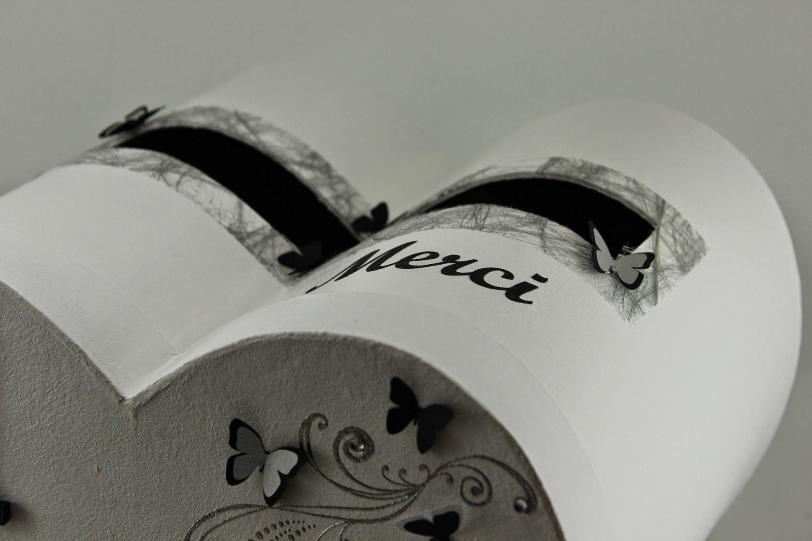 décoration urne mariage coeur
