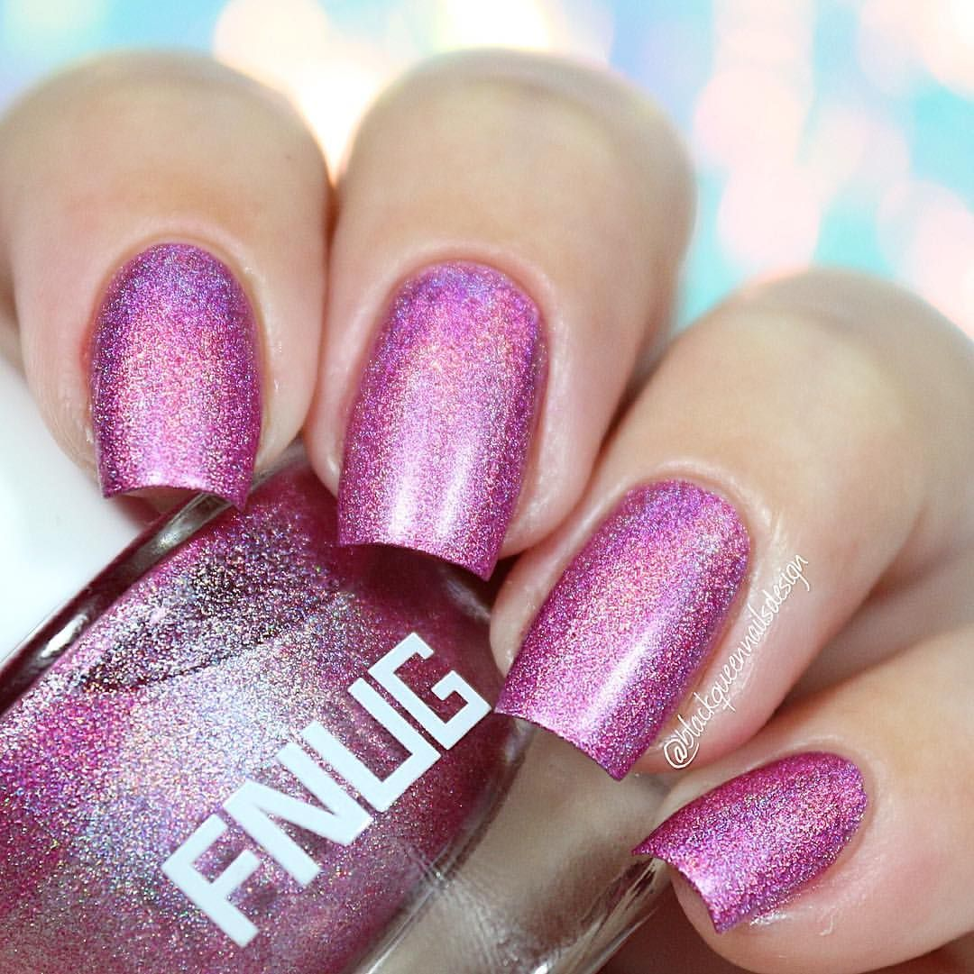 """Ana✨Nail Art-Tutorial-Swatches en Instagram: """"✨Magic holographic, I love it! Fnuglista 100 @fnug_official first apply Aqua fix base coat fnug special for holographic polish✨ Two coats without top coat #fnug #blackqueennailsdesignswatches"""""""