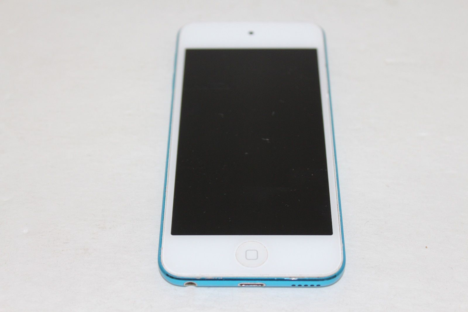 Apple iPod Touch 5th Generation 16GB Blue AS IS https://t.co/X2HzWy8iPv https://t.co/PAKE75G36o