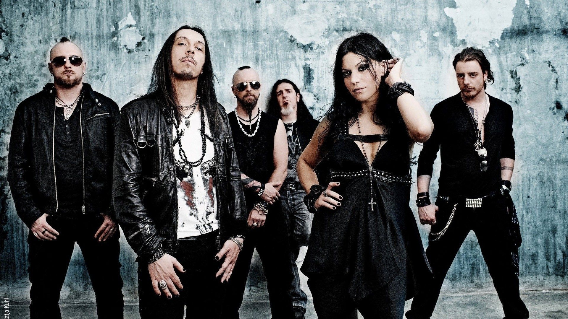 Goth metal band Lacuna Coil | Band, Goth music, Metal bands