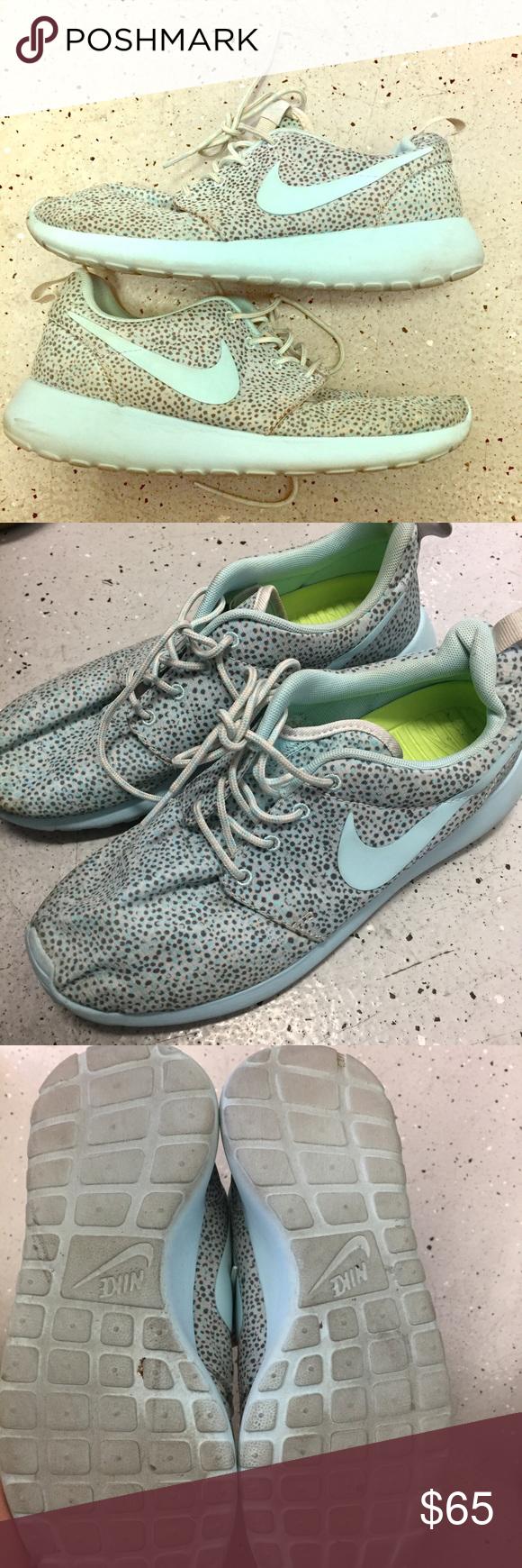 476ffe784f2f Glacier Ice Blue Nike Roshe Run Print ❄ Women s Roshe Run Print! Size 8!  Color Cool Grey   Glacier Ice-Light Base Grey-Volt. Super cute and has s  unique ...