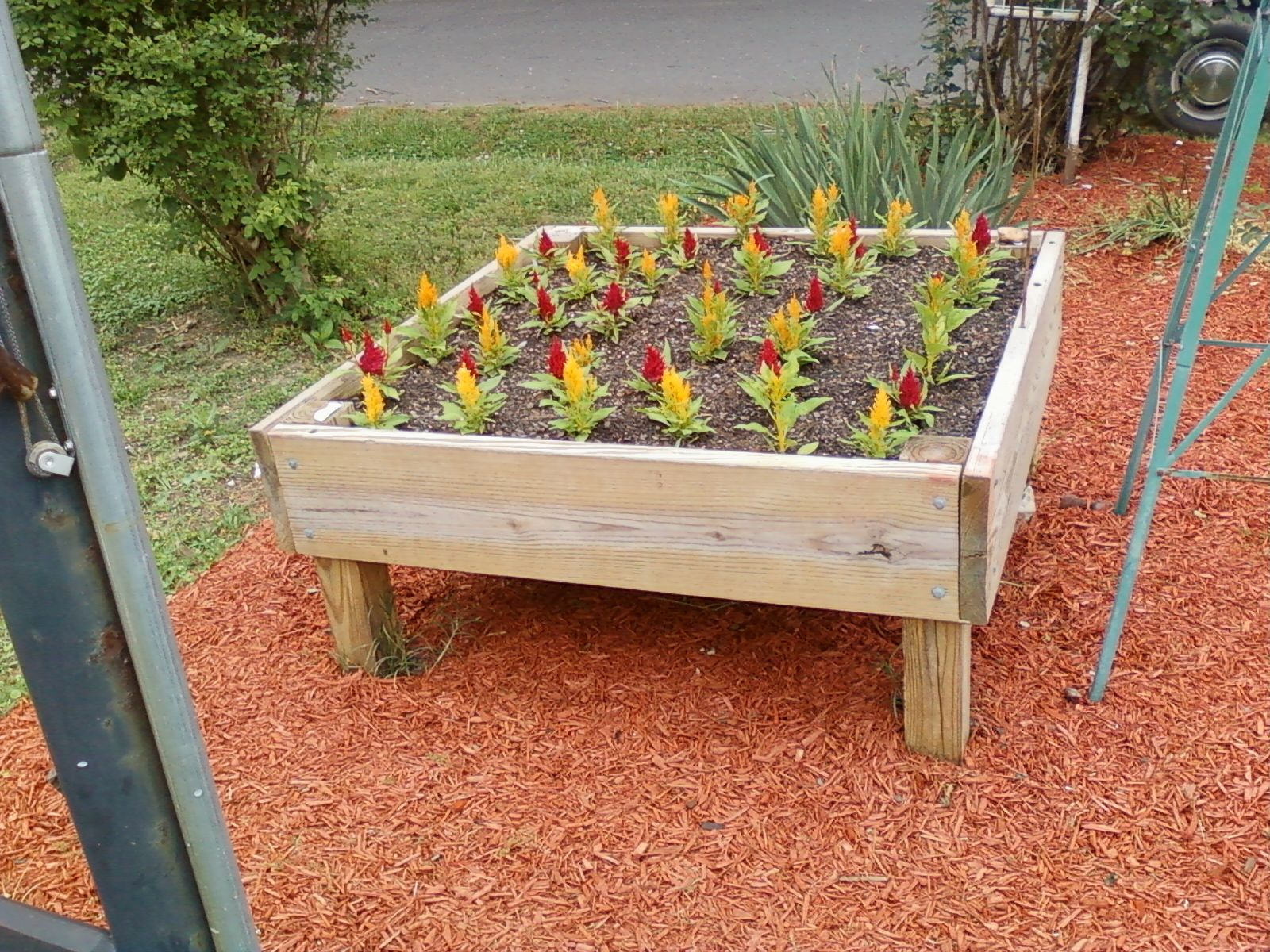4x4 cube raised flower bed Raised flower beds, Flower