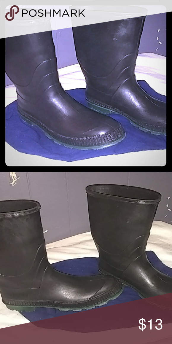 Rain boots In very good condition. kamik Shoes Winter & Rain Boots