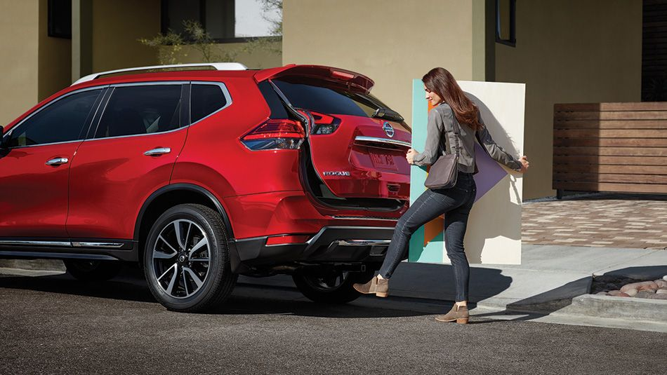 2017 Nissan Rogue Colours And Photos Nissan Canada With Images Nissan Rogue Crossover Suv