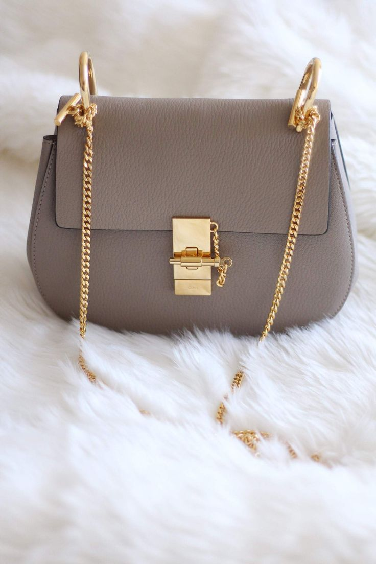 New In  Chloe Drew Bag in Grey - Size Small - Colour  Motty Grey - Leather  - Gold Chain Hardwear - Blogger Style - Designer Handbag ff69ce17e12