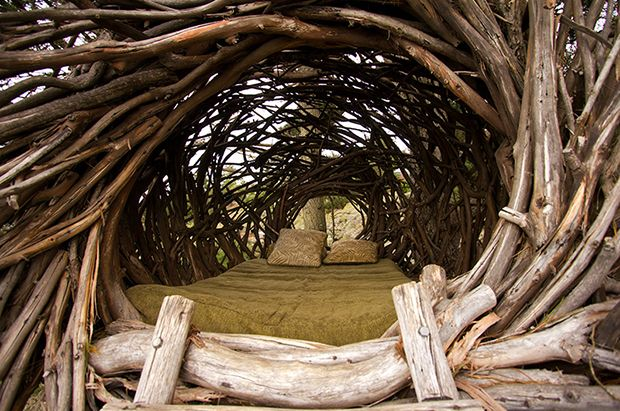 cama nido de madera flotante