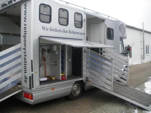 ein traum von pferdetransporter steht zum verkauf. Black Bedroom Furniture Sets. Home Design Ideas