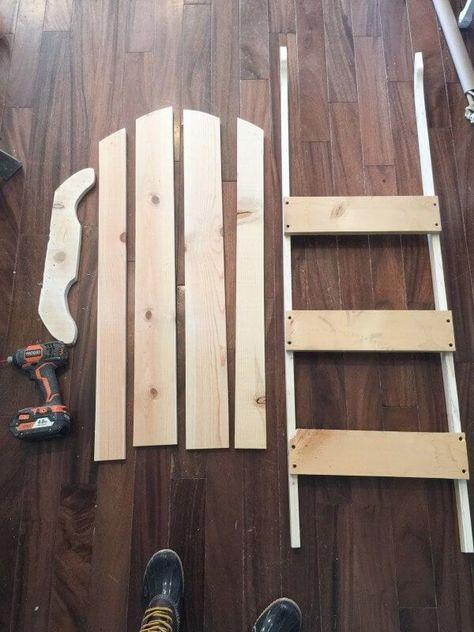DIY Vintage Wooden Sled