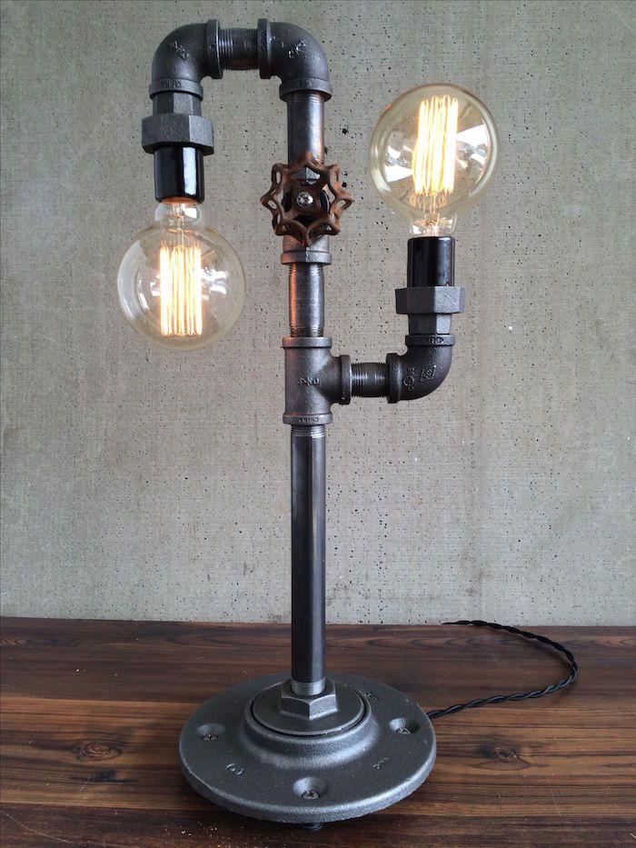 Meuble Industriel Une Retraite Decorative Bien Meritee Lampe De Table Moderne Eclairage Industriel Lampes De Table