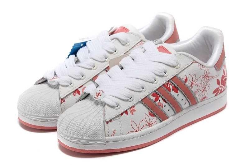 Chaussures de Tennis Pour Femme Adidas Superstar 2 fleur Blanc/Rouge - dWj4f http: