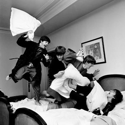 ♥ The Beatles jumping on the bed...