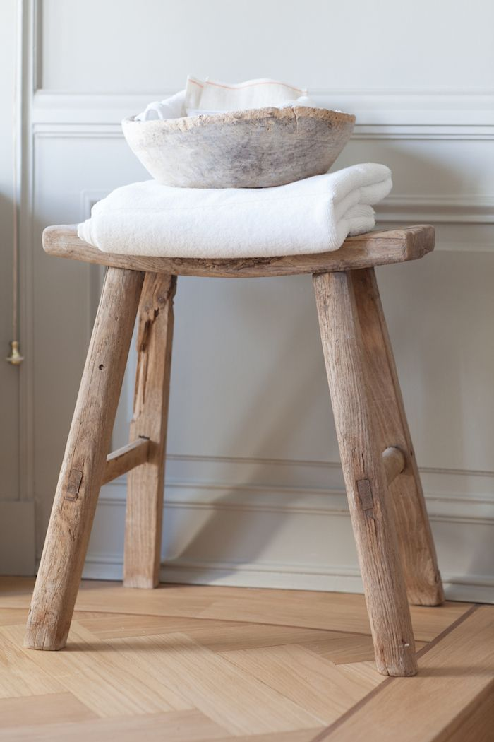 Remarkable Cant Resist Little Old Elm Stools Like This Rustic Spiritservingveterans Wood Chair Design Ideas Spiritservingveteransorg