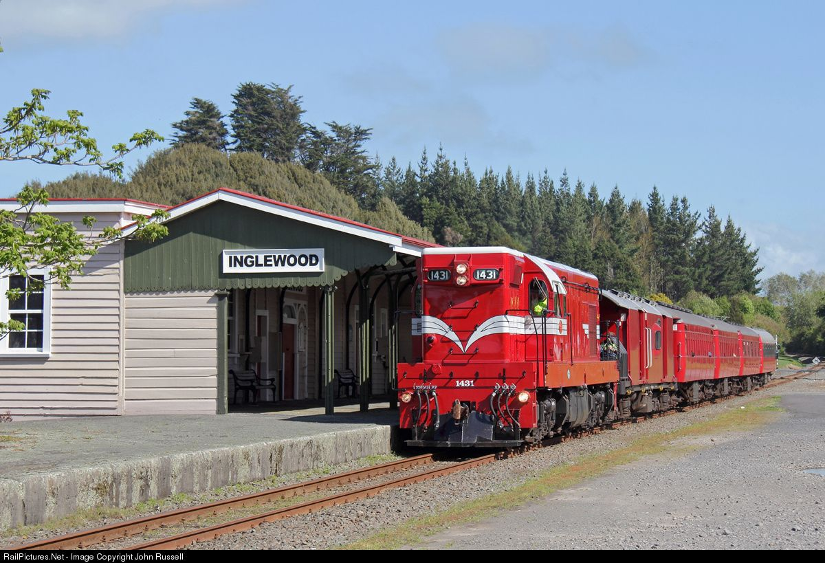 1431 Was Built By Clyde Engineering In Nsw In 1957 For Nz Railways It Was Sold To Steam Incorporated In 1988 Who Restored Inglewood Old Trains Train Pictures