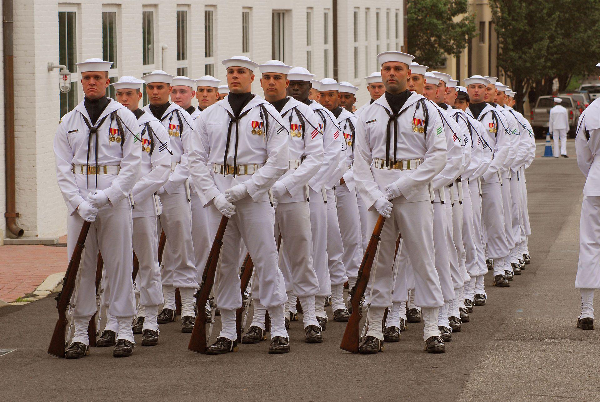 Us Navy 091002 N 3442d 001 Members Of The Us Navy Ceremonial - Us-navy-ceremonial-guard