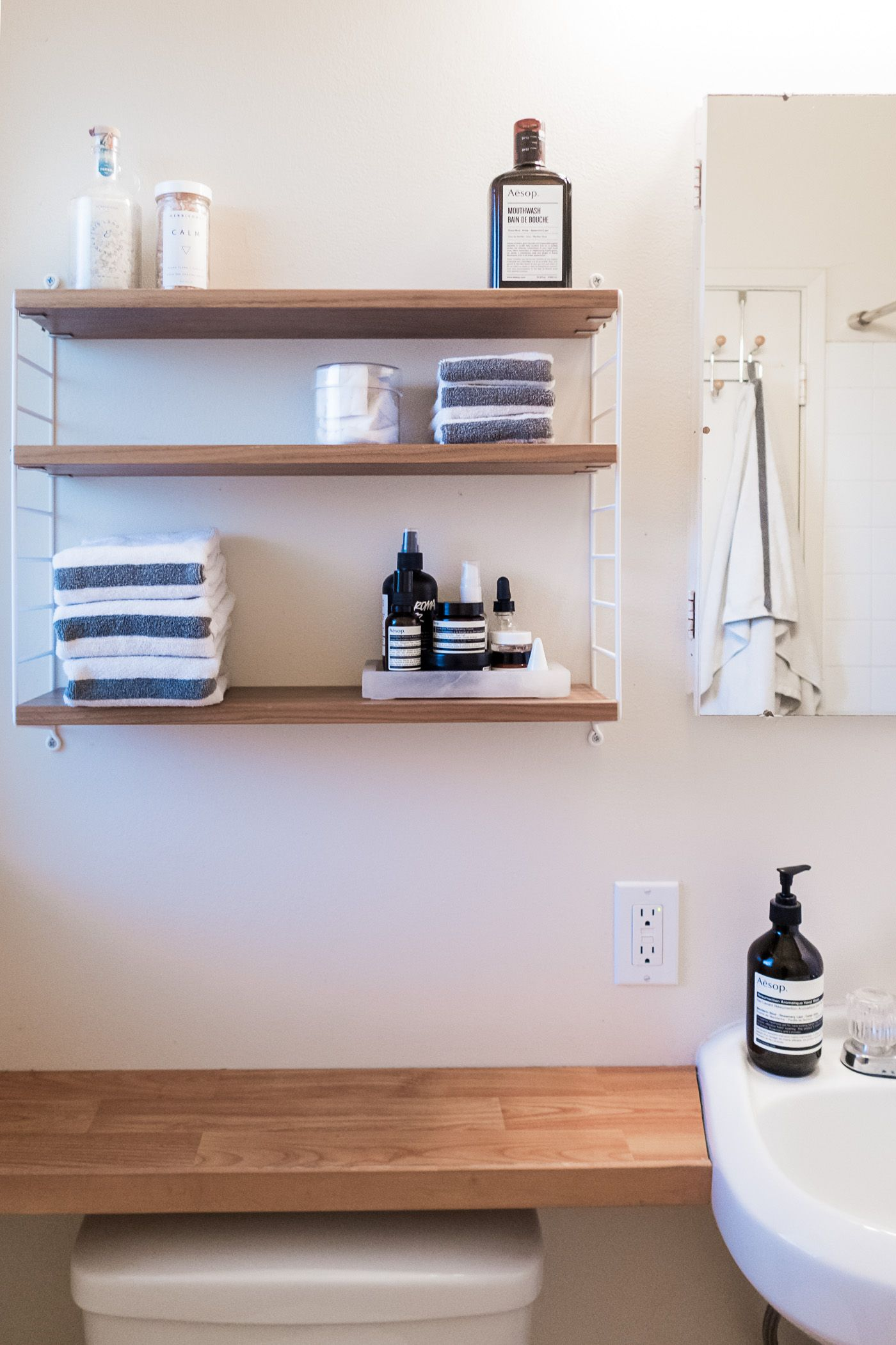 Small Space Bathroom Tips 11 ways to clear clutter and