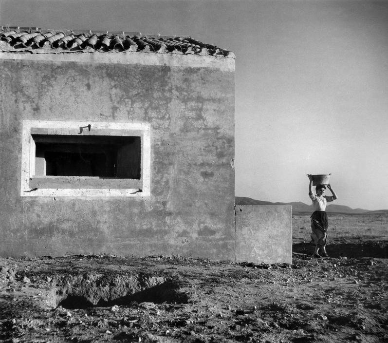 Werner Bischof ITALY. Region of Sardinia. Campidano. Country house. 1950.