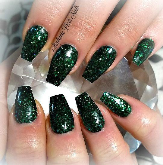 Dark Green Acrylic Nails Stephaniedoesnails Www Facebook Com Stephaniedoesnails Green Acrylic Nails Dark Green Nails Green Nails