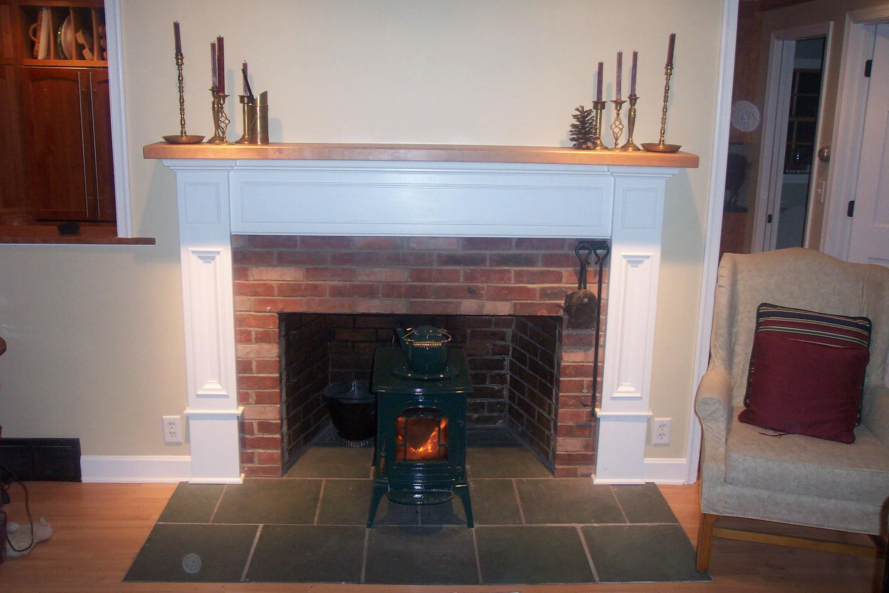 Awesome Brown Brick Fireplace Decorating Ideas A Very Unique, Simple And  Easy To Be With Low Cost Weekend Brick Fireplace Makeover Ideas Fireplace  thickness ...