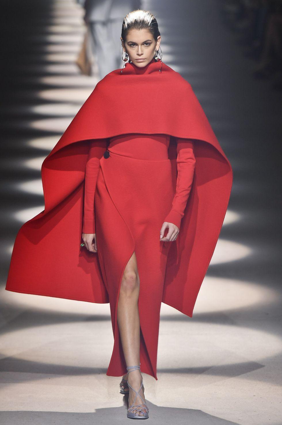 Givenchy  Runway   Paris Fashion Week Womenswear Fall/Winter 20 ...