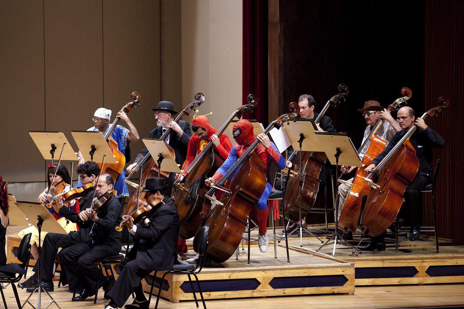 No dia 20, às 19h, a Orquestra Sinfônica da Bahia (OSBA) realiza uma apresentação do projeto Cine Concerto, sob a regência do maestro Carlos Prazeres, no município de Feira de Santana, na Praça da Matriz, com entrada Catraca Livre.