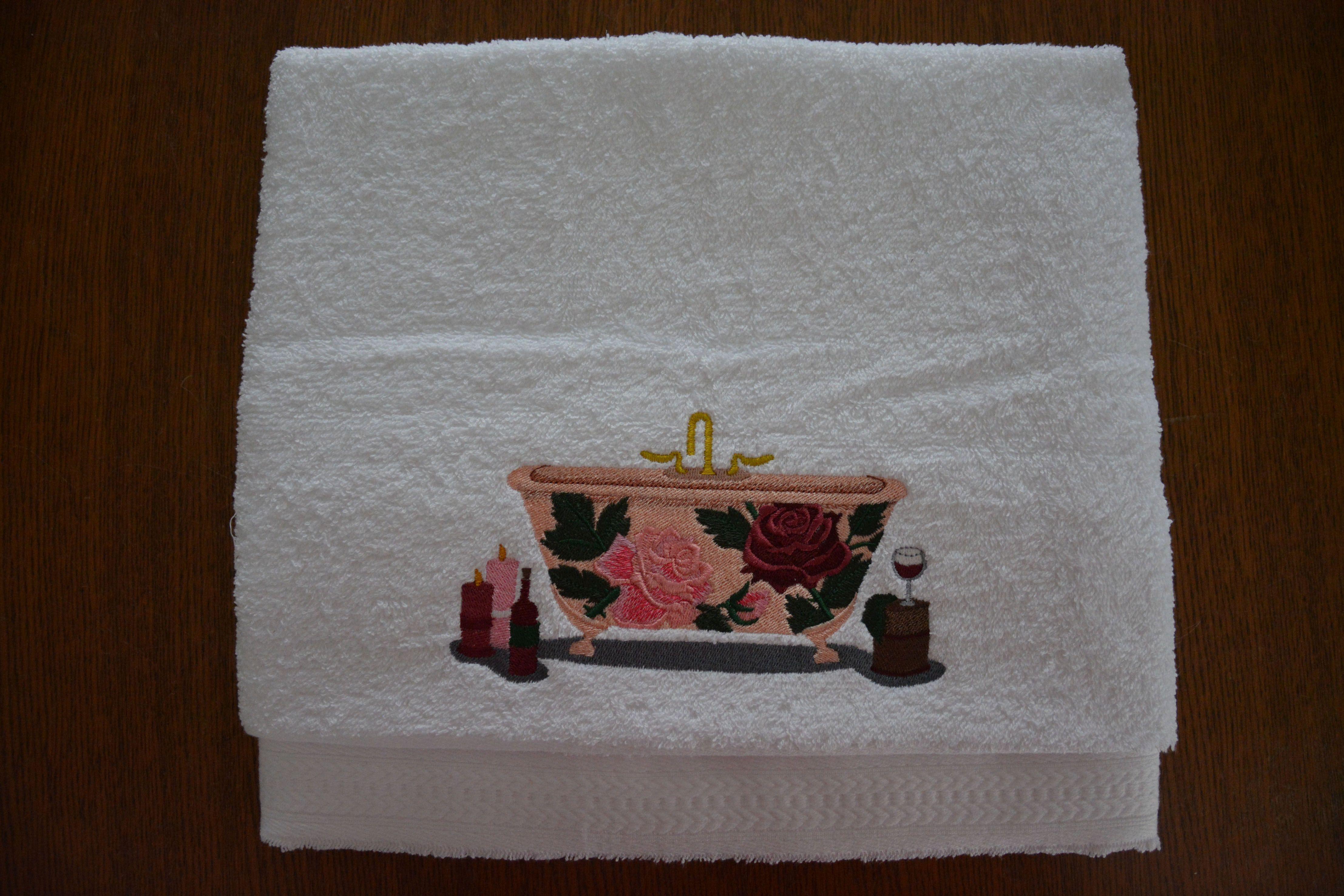 Badhanddoek - Badkuip met Victoriaanse Rozen (Bathtowel - Victorian Roses Bathtub)