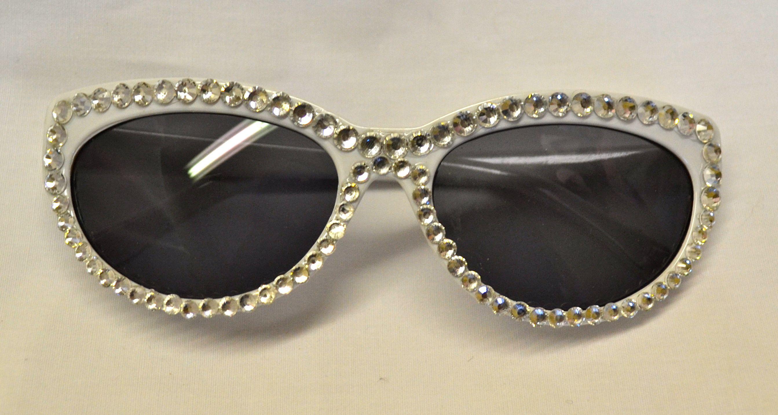 Rhinestoned sunglasses!  Perfect for Summer!  www.vavavette.com