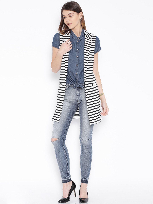 30b2b4e4bff45 ONLY Black   White Striped Sleeveless Shrug