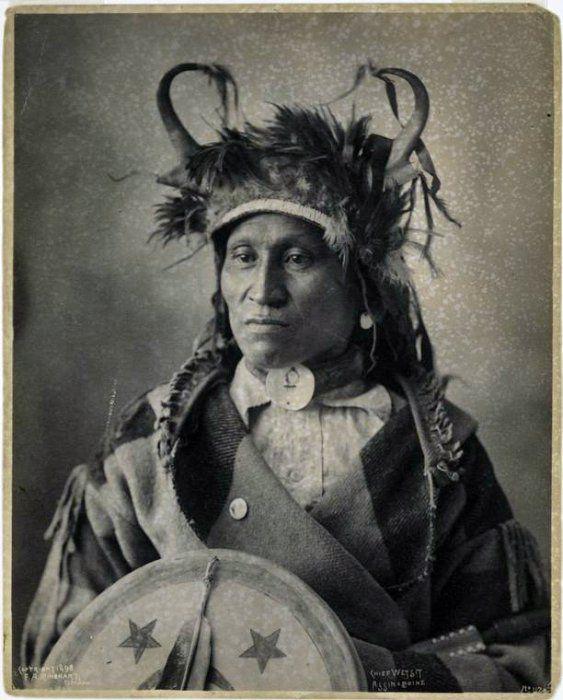 Старинные фото индейцев | Индейская одежда, Коренные ...