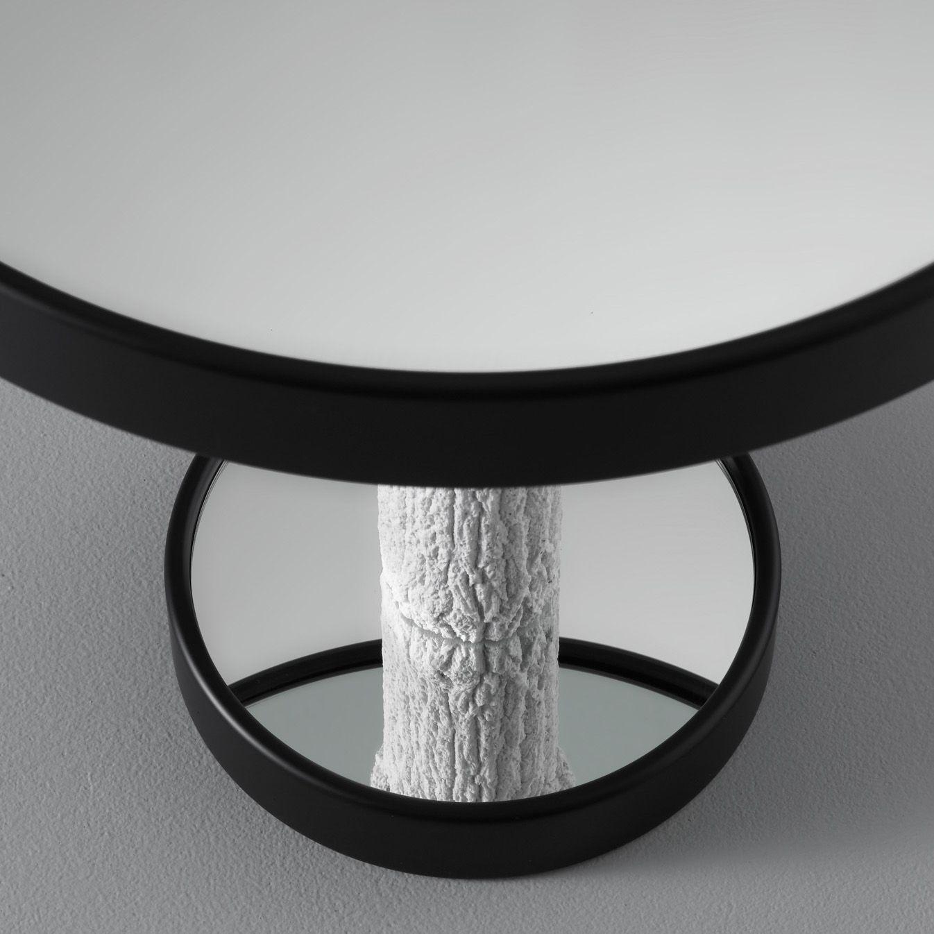 Pietro Chiesa - 1937 https://houseoluv.com/en/catalog/corteccia-side-table-p-29146/