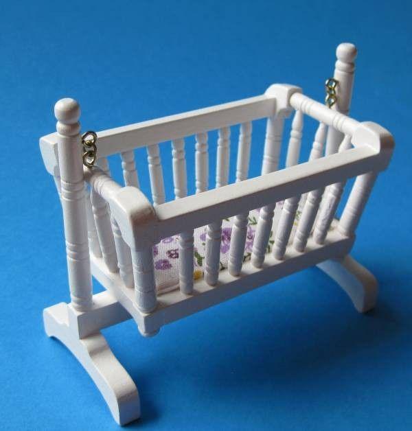 Charming Puppenhaus Schaukelwiege Miniatur Puppenmöbel 1:12   C30461 /  EAN:3597833046109