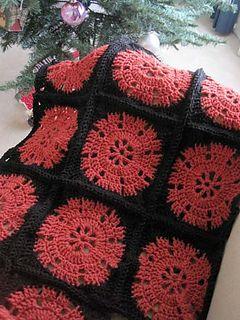 Wheel granny square afghan... Free pattern! ༺✿Teresa Restegui http://www.pinterest.com/teretegui/✿༻