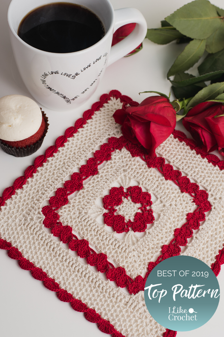 A Uniquely Square Doily Shows Your Love With Lots Of Small Hearts The Combination Of Red And Cream Give It That Old Victori Doily Patterns Crochet Patterns Crochet Gifts