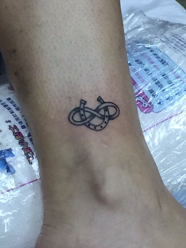 tatou fer à cheval | art | pinterest | tatouage, tatouage chevaux et