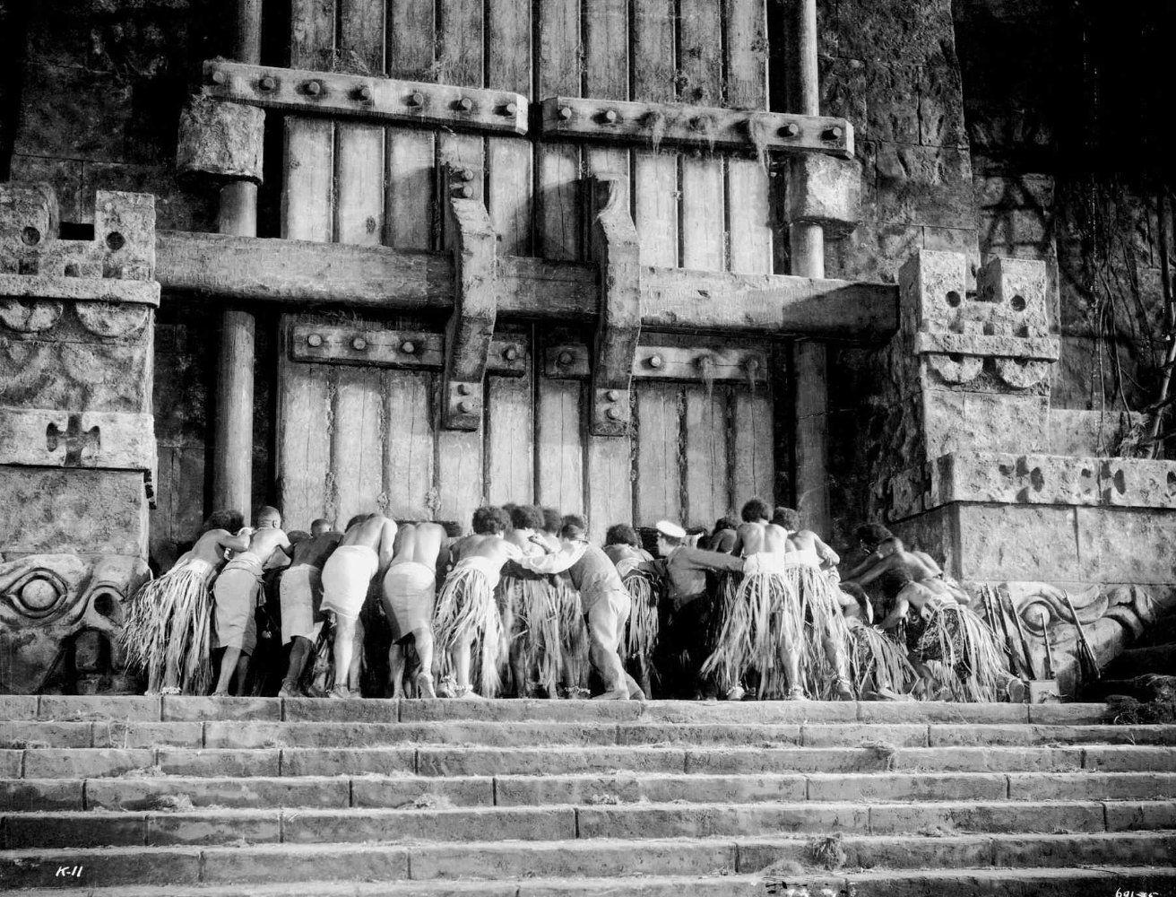 NEOSTAR :: (04) 킹콩 대 고질라 (1962),동 서양 최고 괴수를 맞붙인 세기적 괴작. |King Kong Native People