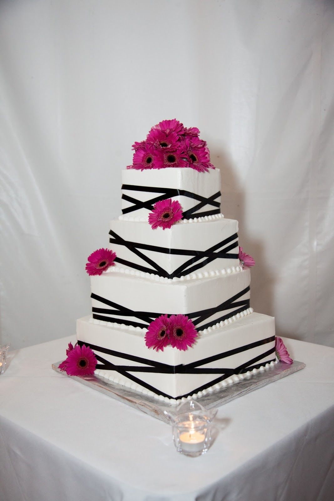 pink & black wedding cake | A Wedding To Start A Life Time ...